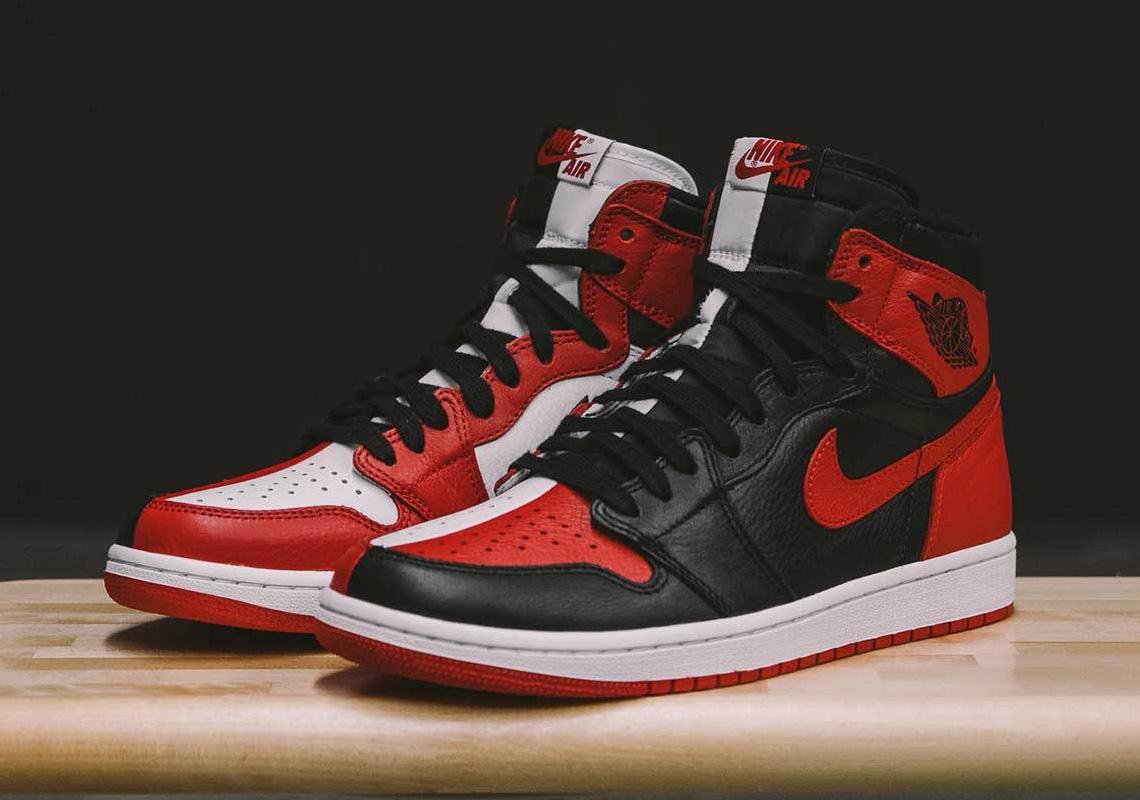 """AJ1,Air Jordan 1,AR9880-023  天价鞋诞生!超限量阴阳 AJ1 """"Homage To Home"""" 你喜欢吗?"""